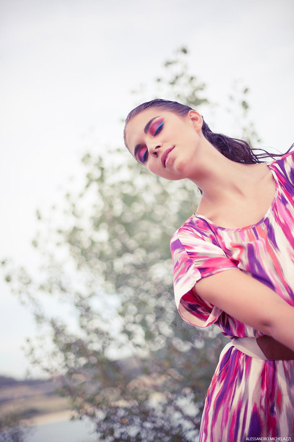 Fashion and portrait photo session at Bilancino Lake, Tuscany
