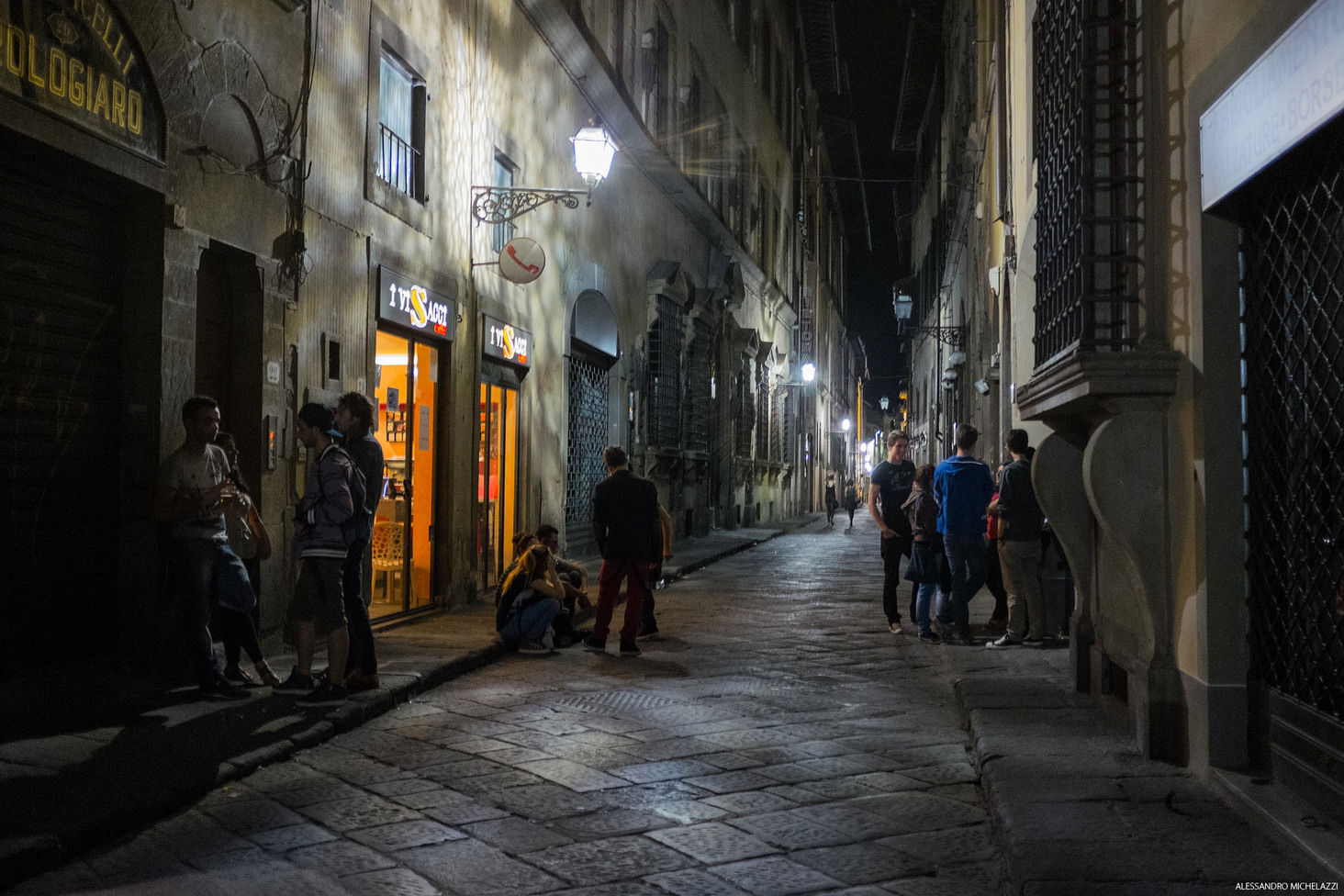 Florence in the night: photography with Fuji X100s testing the high Iso