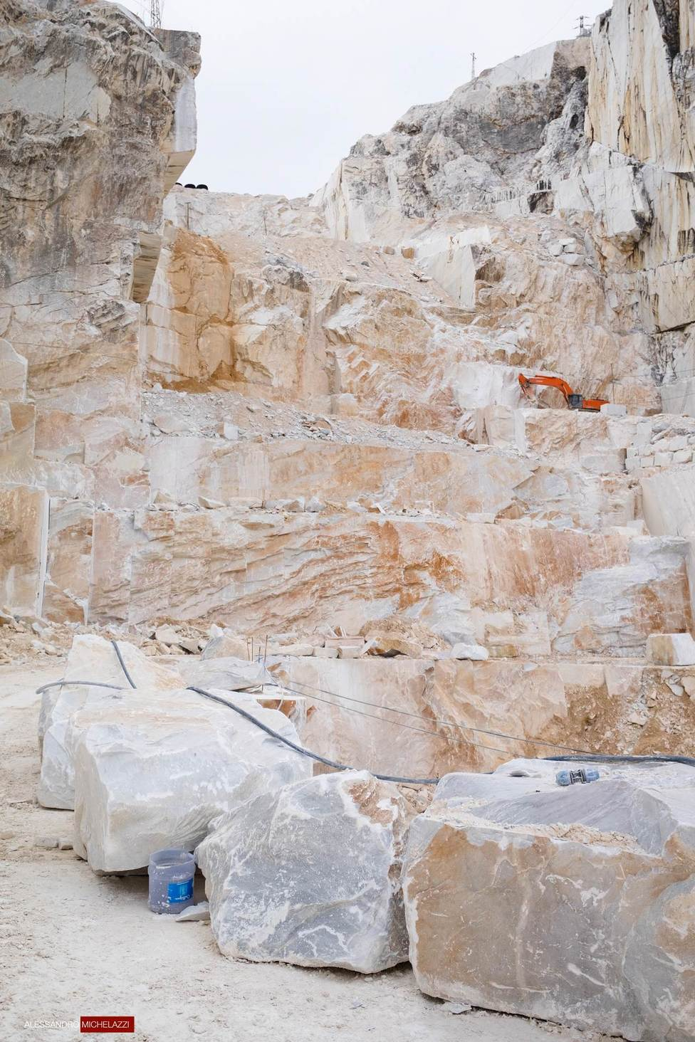 carrara-marble-cave-photos-11