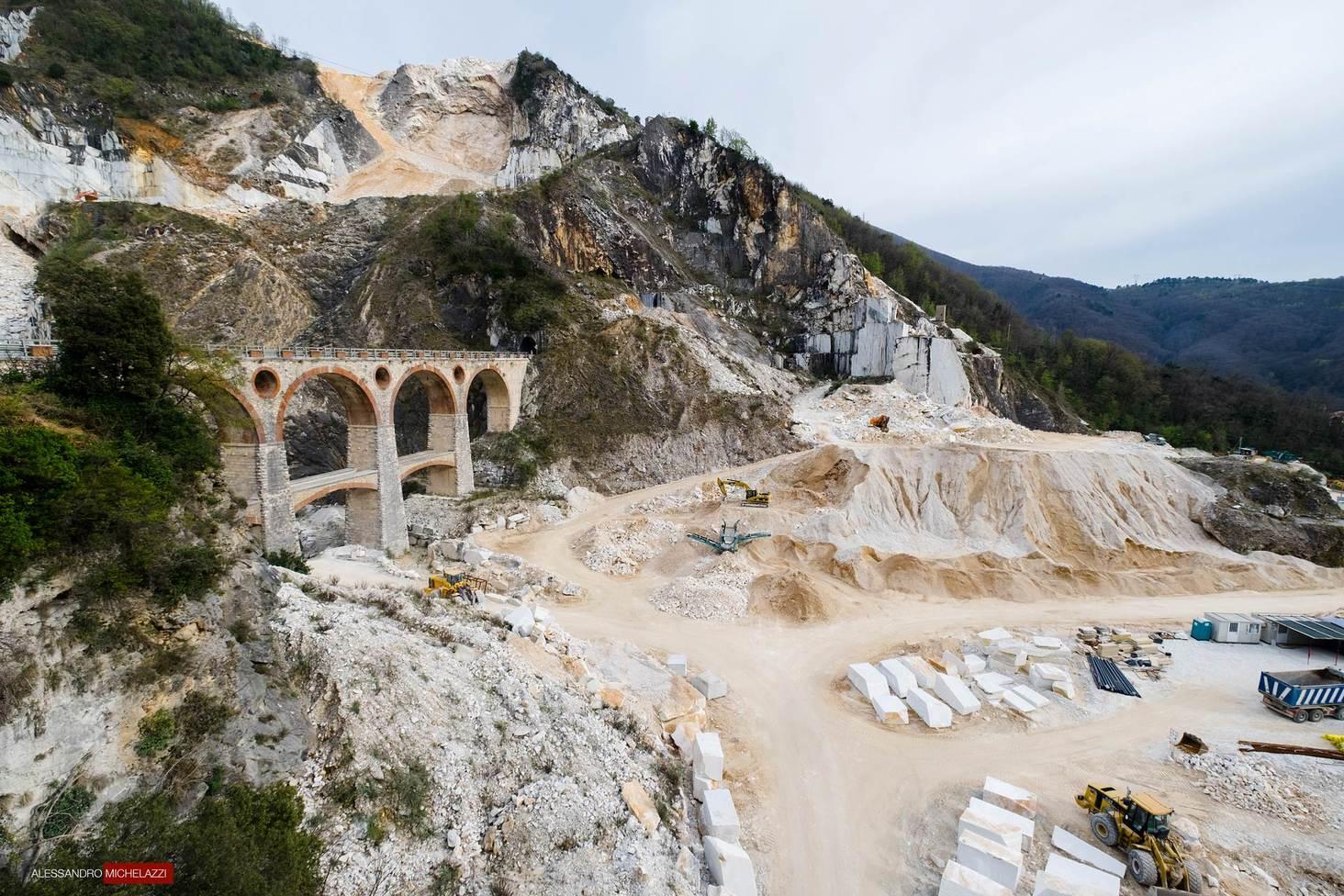 carrara-marble-cave-photos-24