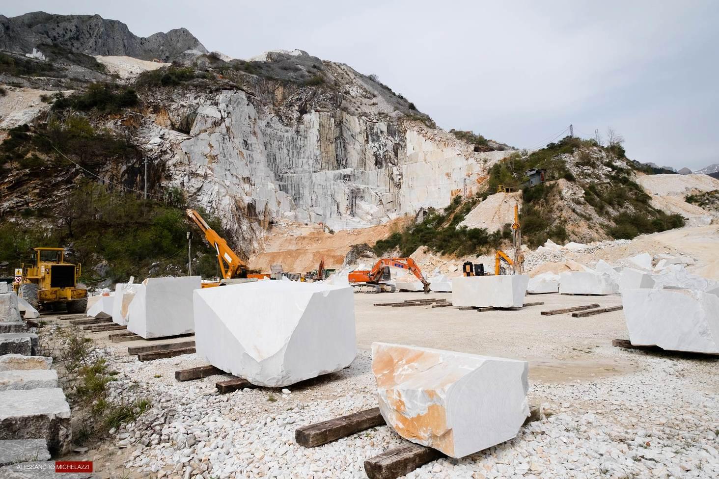 carrara-marble-cave-photos-3