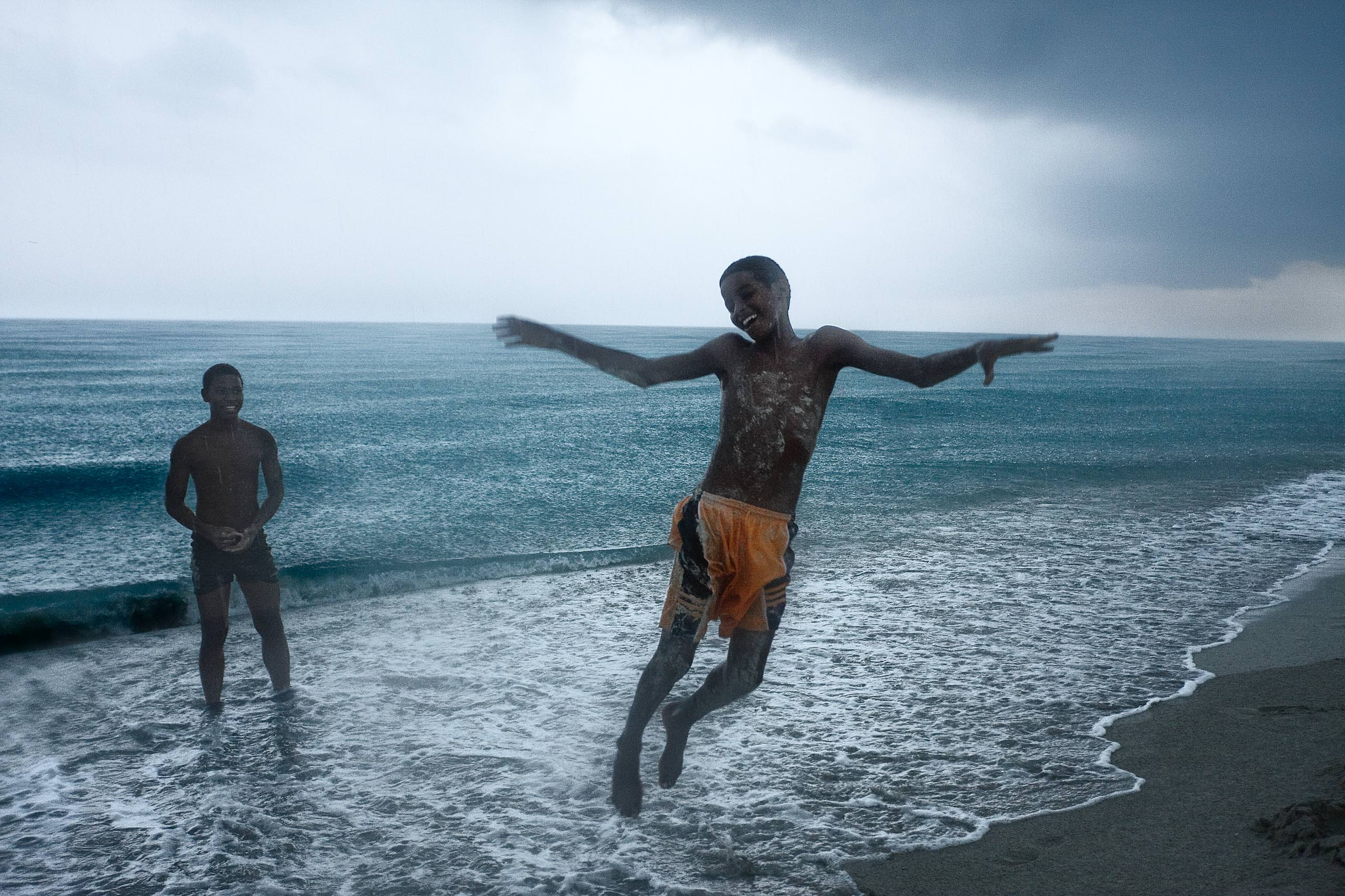Cuba, Playing under a Storm, 2009