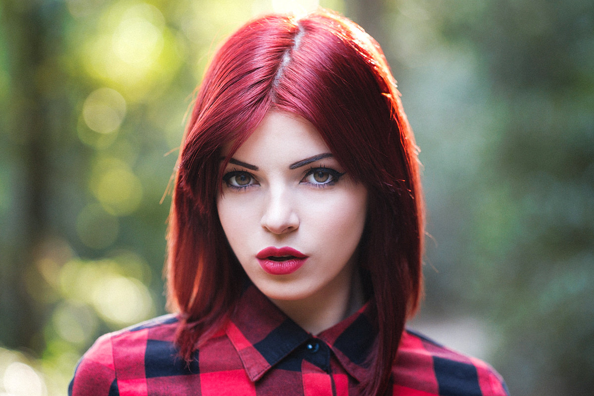 Portrait with natural light using the Fujifilm 90mm f/2 lens