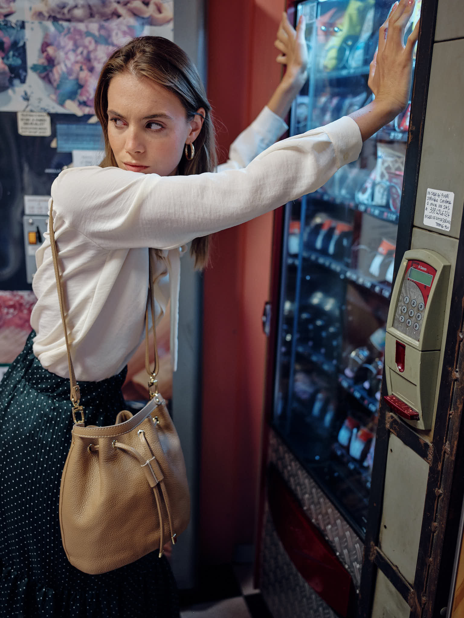 Street Fashion at the automatic food store in Florence, Italian Photographer